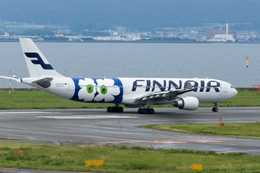 FinnAir plane photo